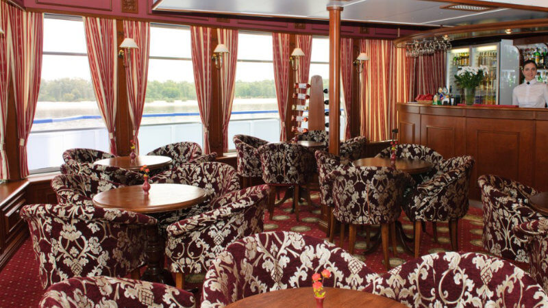 MS Dnepr Princess - Bar