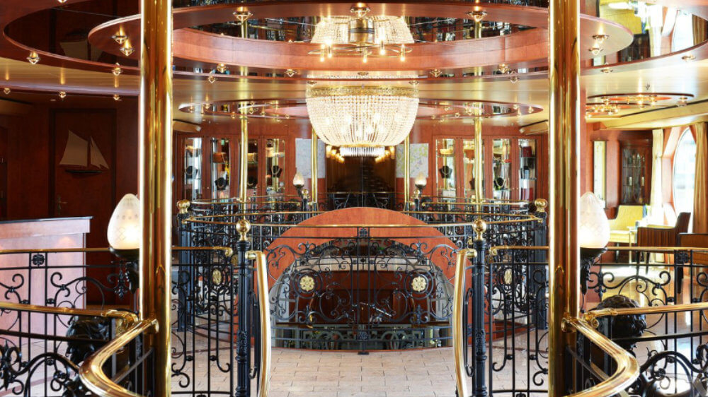 MS Saxonia - Foyer